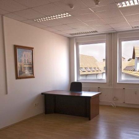 Kiadó  iroda (Budapest, IV. kerületBudapest, IV. kerület, Csányi László u.) 372 E  Ft/hó +ÁFA