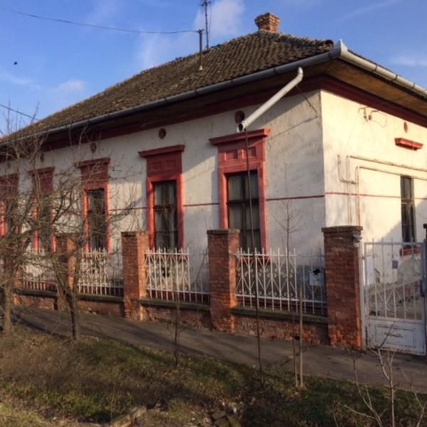 Eladó  családi ház (Jász-Nagykun-Szolnok megye, Karcag, győrffy István utca ) 4,9 M  Ft