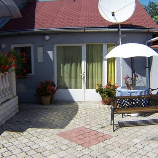 Kiadó  családi ház (Szabolcs-Szatmár-Bereg megye, Nyíregyháza, Debreceni út ) 140 E  Ft/hó