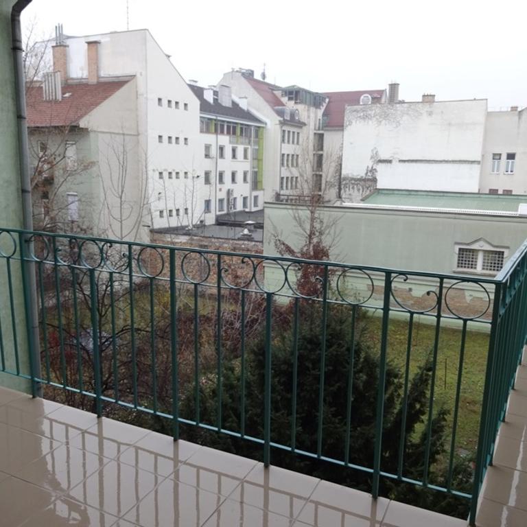 Kiadó  téglalakás (Budapest, IX. kerületBudapest, IX. kerület, Bokréta u.) 140 E  Ft/hó
