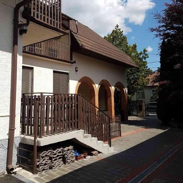 Kiadó  családi ház (Pest megye, Törökbálint, Károlyi Mihály utca ) 250 E  Ft/hó