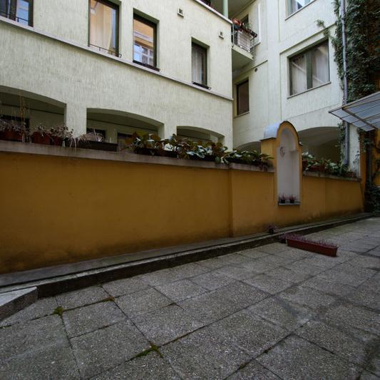 Eladó  téglalakás (Budapest, V. kerület, ) 208 M  Ft