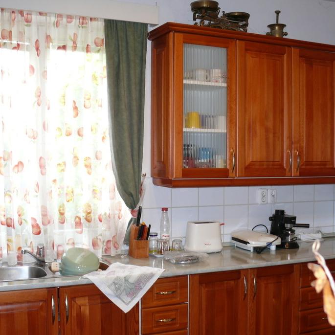 Eladó  családi ház (Budapest, X. kerület, Hárslevelű u.) 77 M  Ft