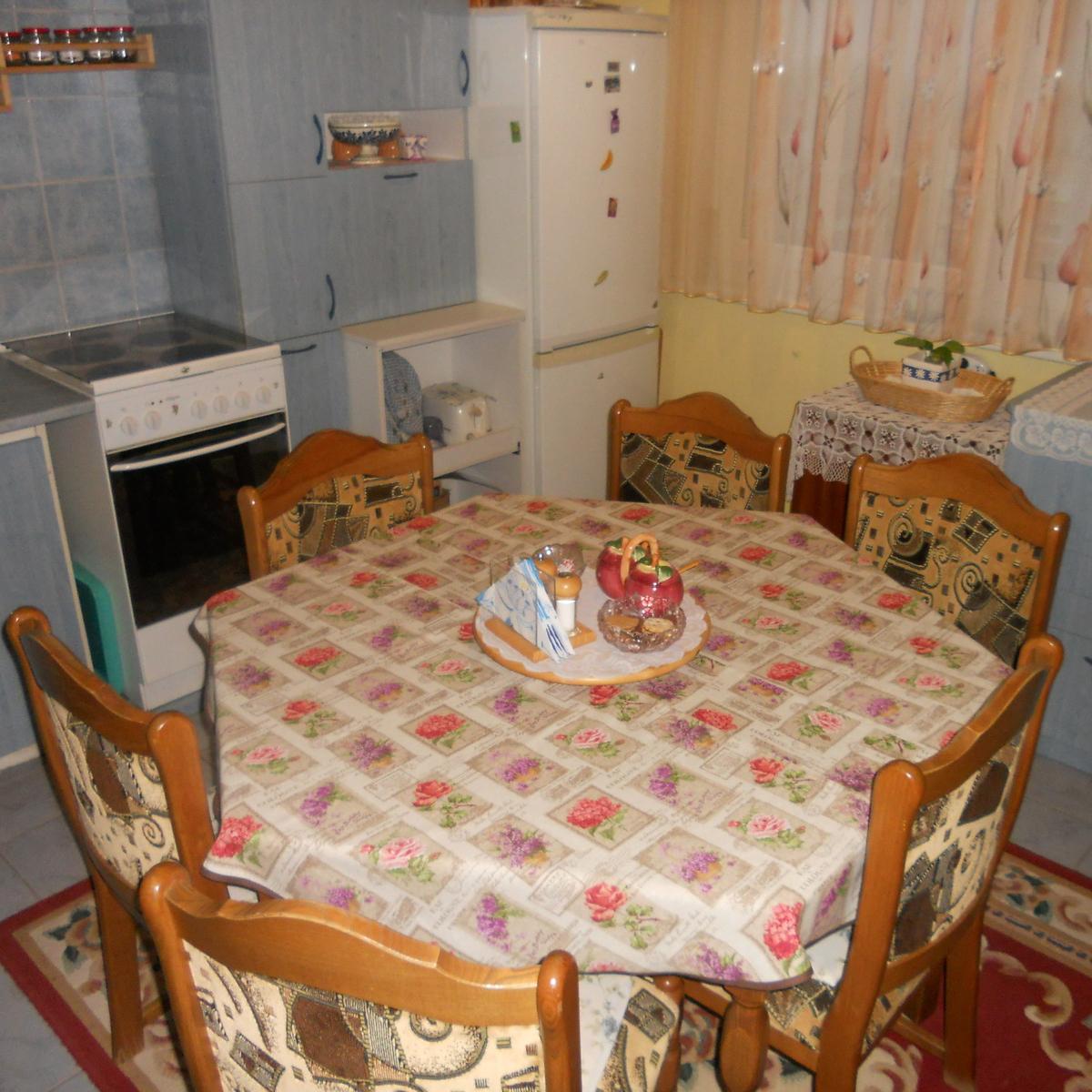Eladó  panellakás (Szabolcs-Szatmár-Bereg megye, Nyíregyháza, Fazekas János tér) 12,5 M  Ft