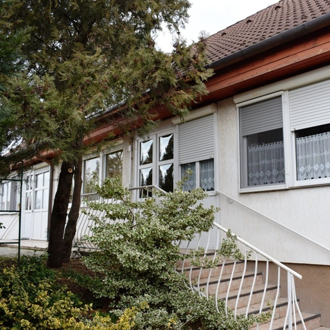 Eladó  családi ház (Pest megye, Szigethalom) 35 M  Ft