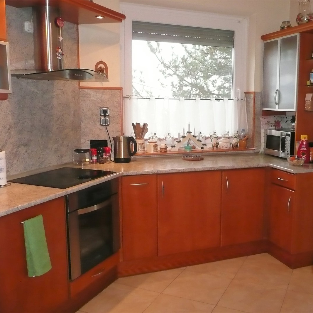 Eladó  családi ház (Pest megye, Budaörs) 129 M  Ft