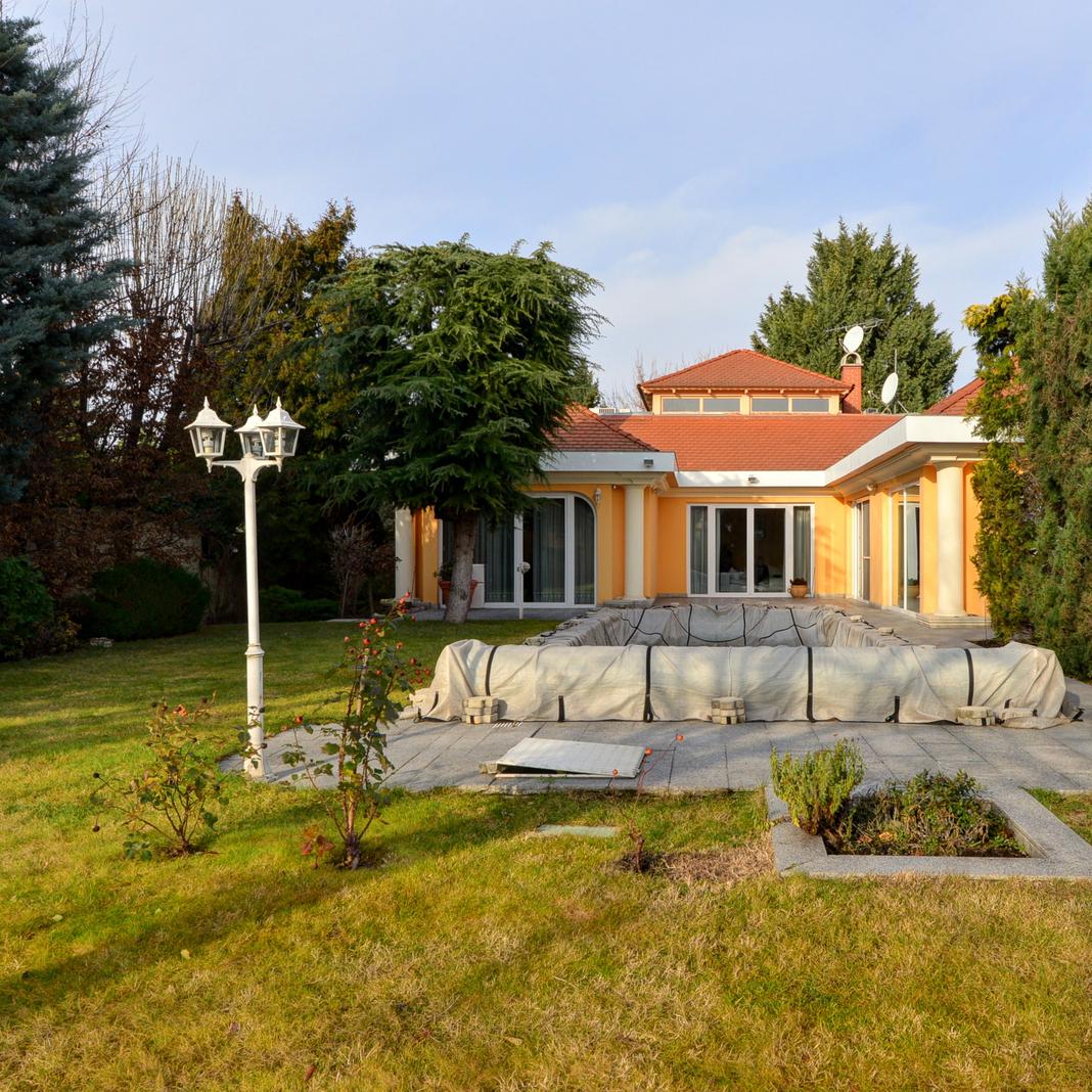 Eladó  családi ház (Budapest, XIV. kerületBudapest, XIV. kerület, Bonyhádi út) 220 M  Ft