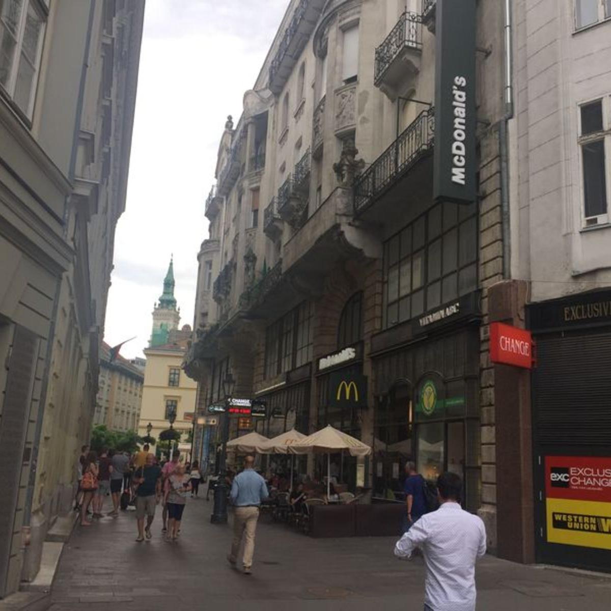 Kiadó  téglalakás (Budapest, V. kerületBudapest, V. kerület, Deák Ferenc tér) 400 E  Ft/hó