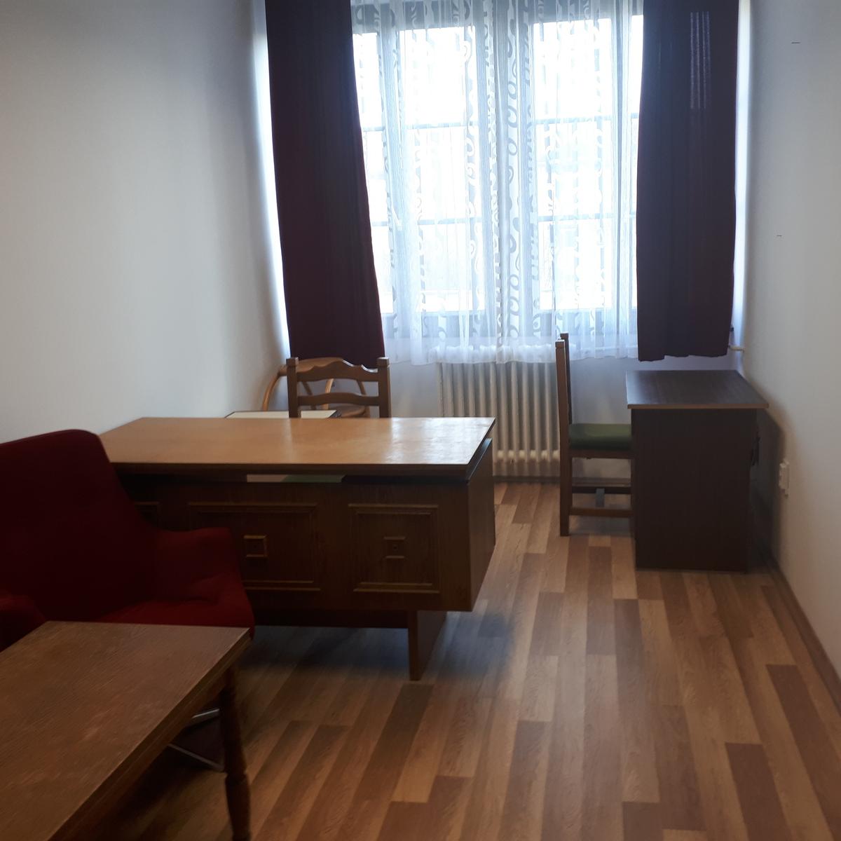 Kiadó  iroda (Szabolcs-Szatmár-Bereg megye, Nyíregyháza, Dózsa György utca) 45 E  Ft/hó