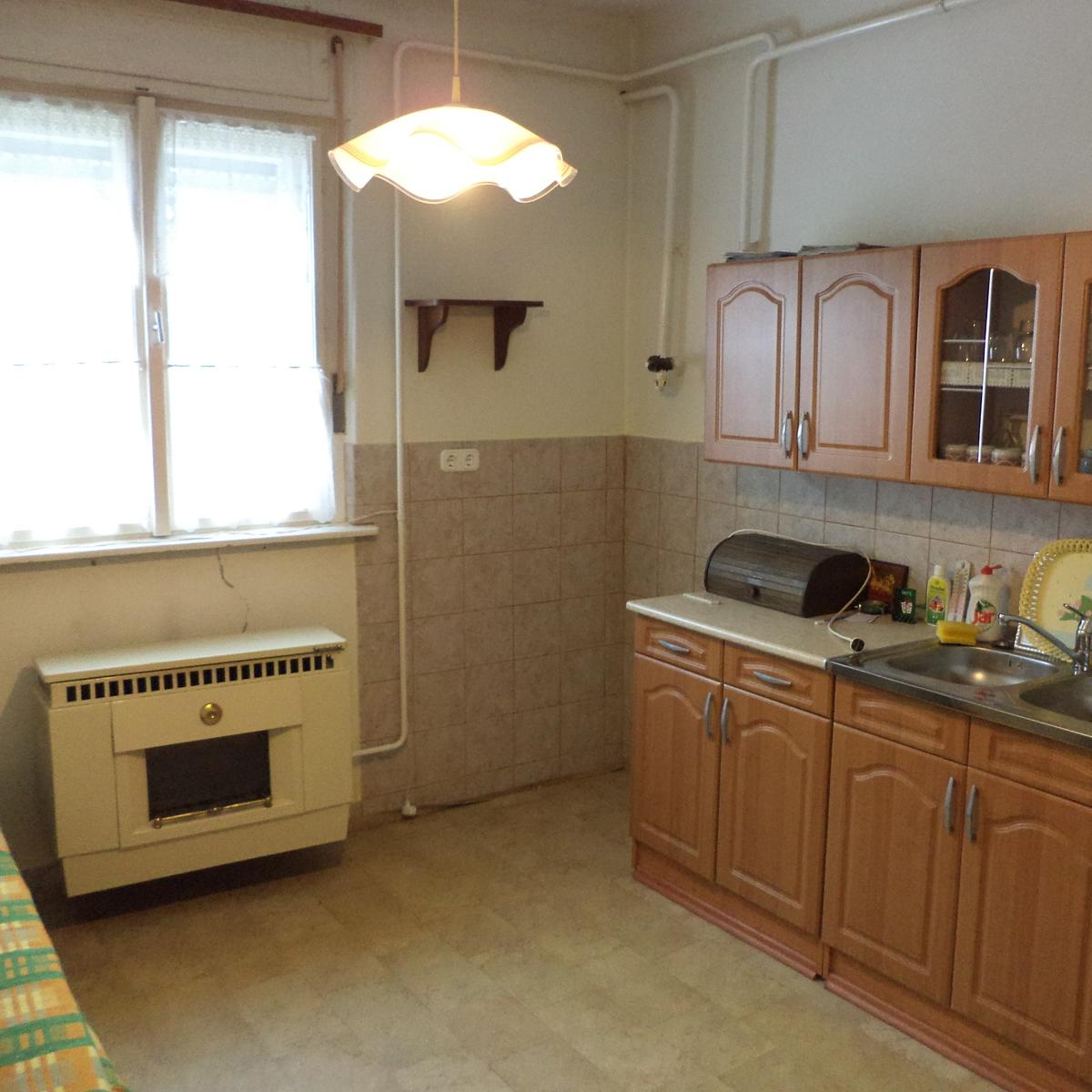 Eladó  családi ház (Zala megye, Zalaegerszeg) 16,5 M  Ft