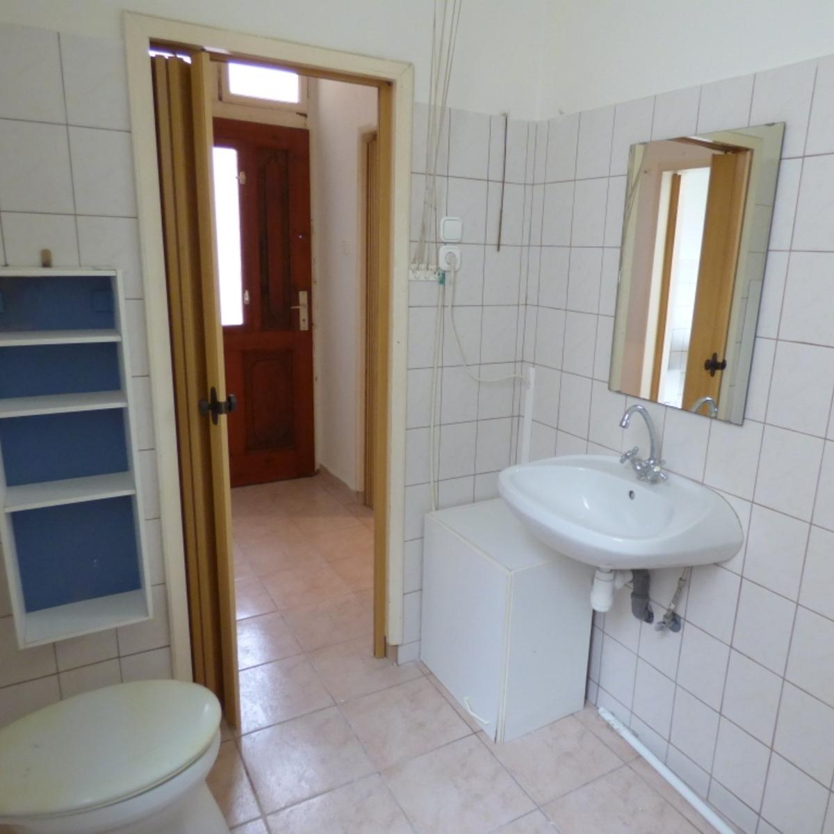 Eladó  téglalakás (Budapest, VI. kerületBudapest, VI. kerület, Rózsa u.) 22,5 M  Ft