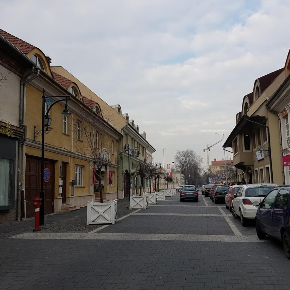 Kiadó  iroda (Budapest, III. kerületBudapest, III. kerület, Bokor u.) 200 E  Ft/hó