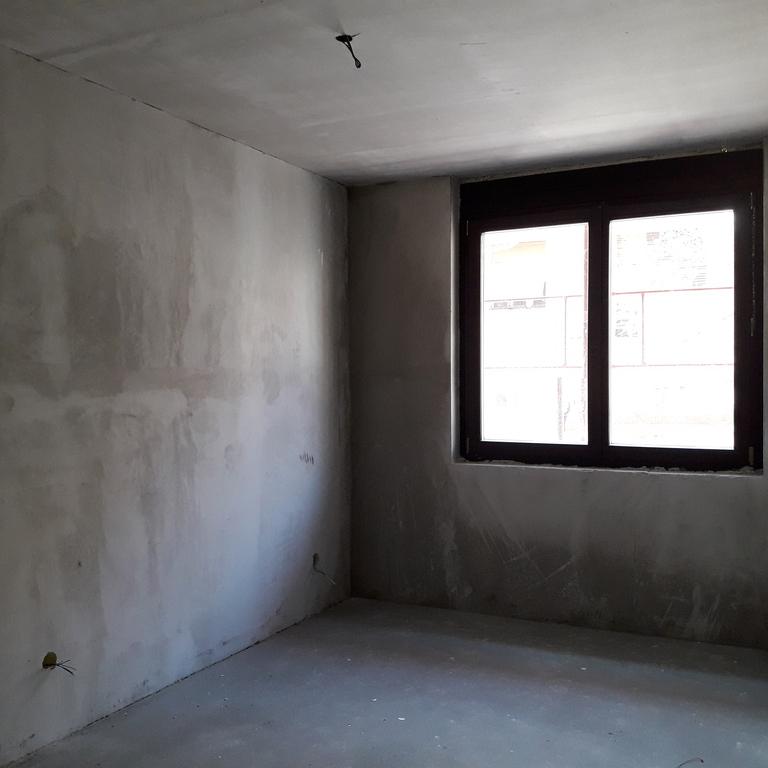 Eladó  téglalakás (Budapest, III. kerület) 38 M  Ft