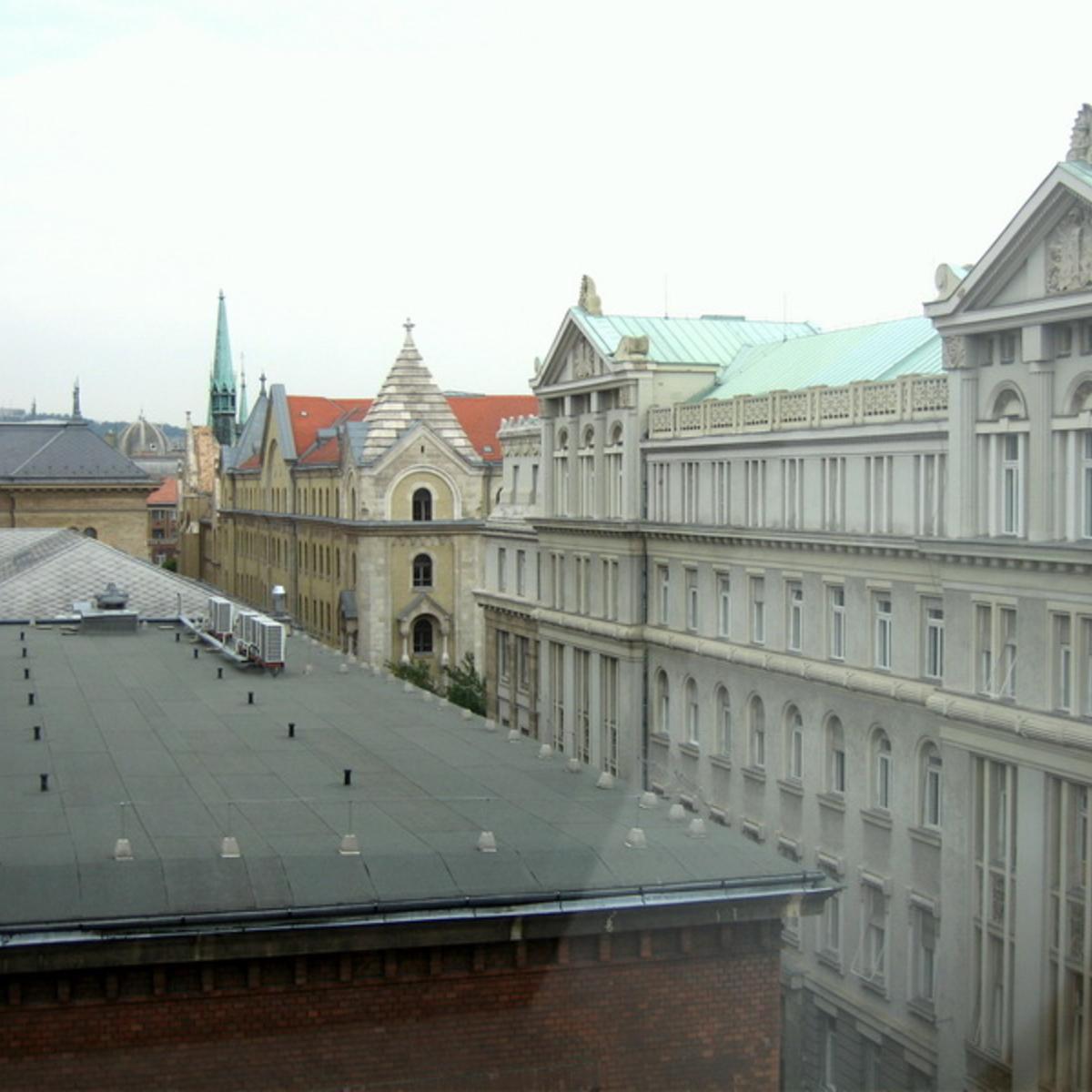 Eladó  téglalakás (Budapest, V. kerületBudapest, V. kerület, Stollár Béla u.) 103 M  Ft