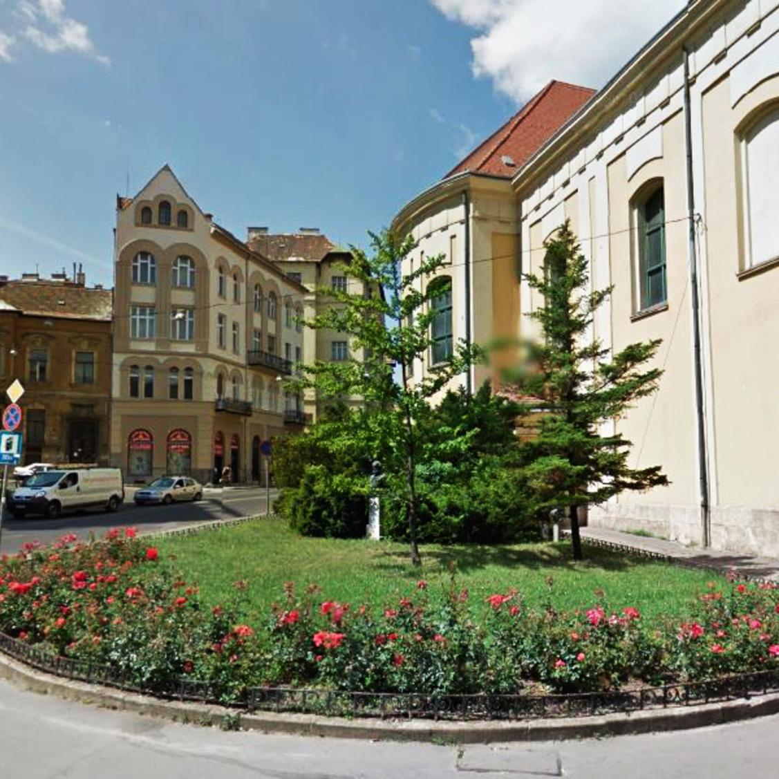 Eladó  téglalakás (Budapest, I. kerületBudapest, I. kerület) 37,9 M  Ft
