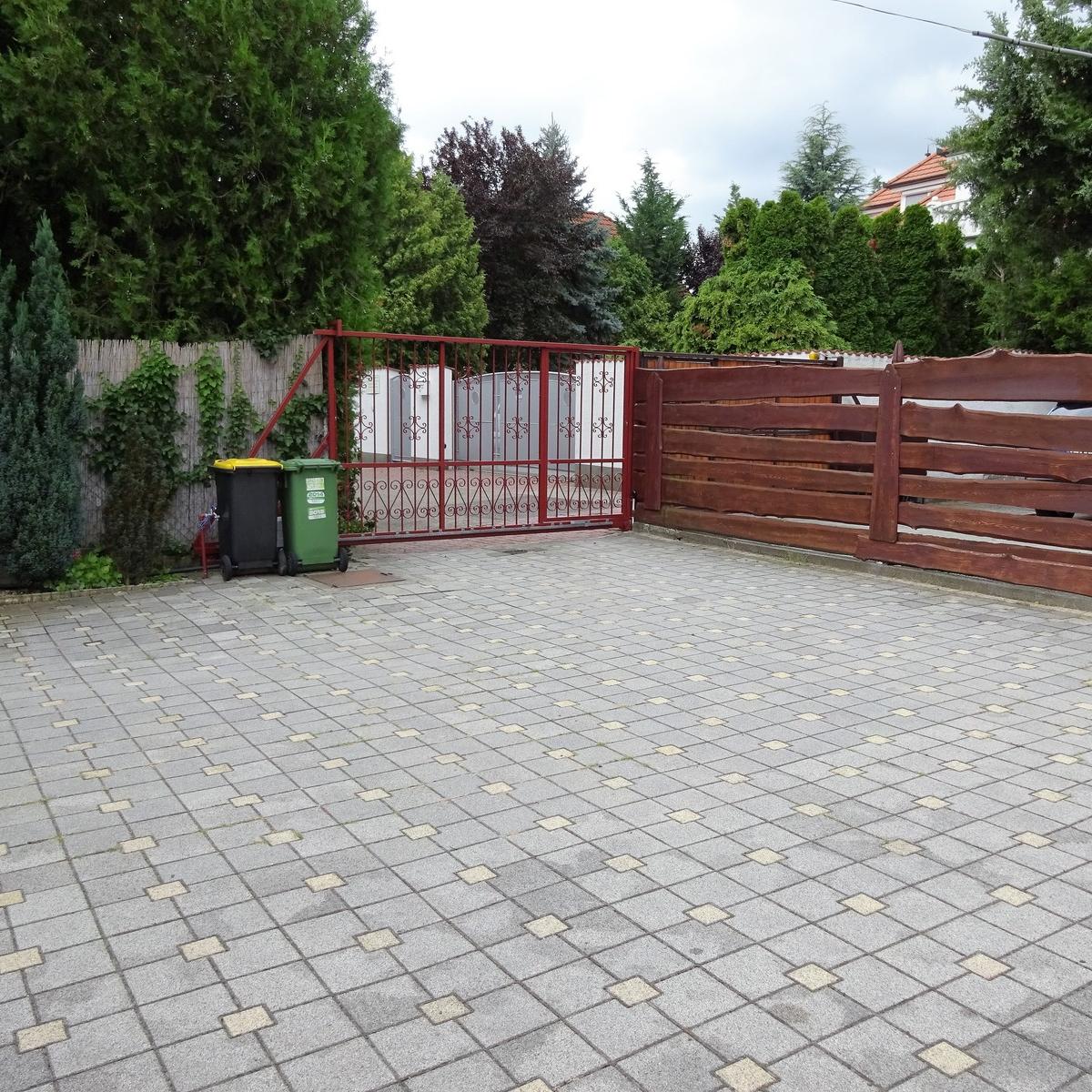 Eladó  családi ház (Pest megye, Budaörs) 85,1 M  Ft