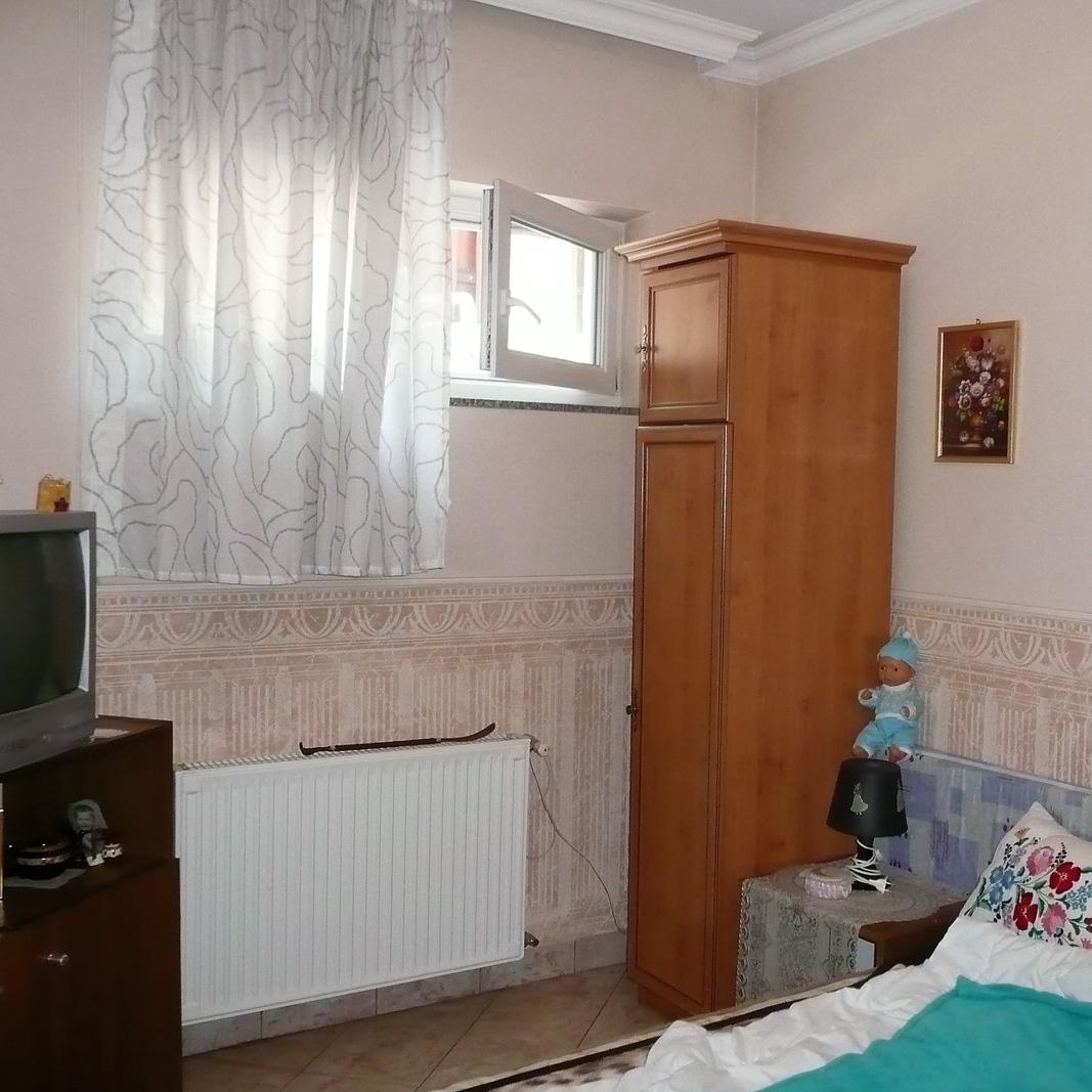 Eladó  családi ház (Pest megye, Budaörs) 83 M  Ft