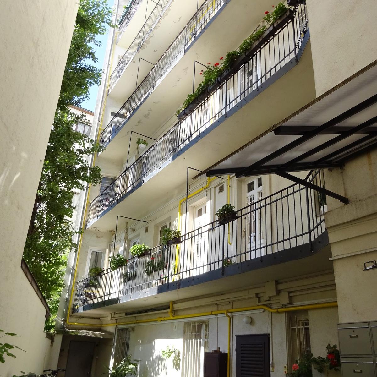 Eladó  téglalakás (Budapest, II. kerületBudapest, II. kerület, Lövőház u.) 89,9 M  Ft