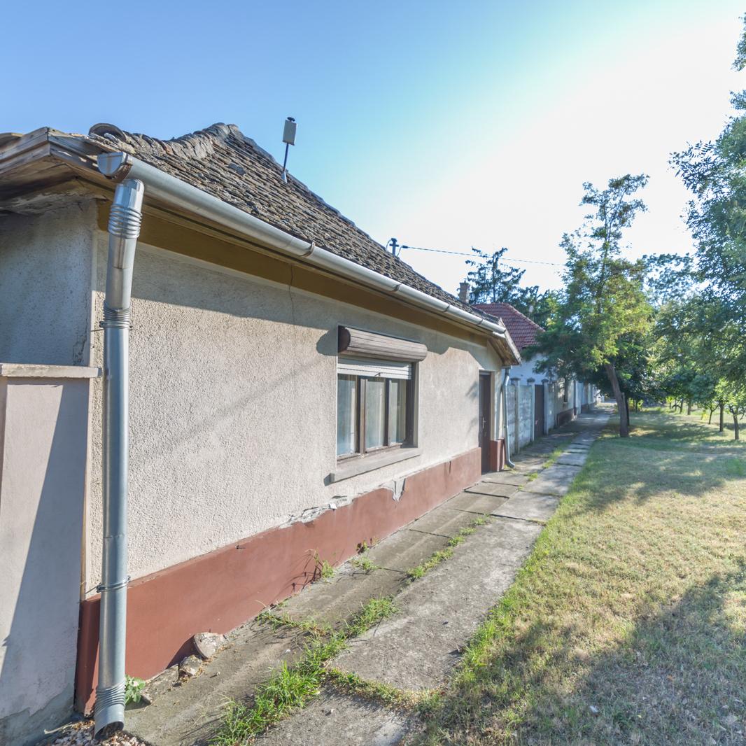Eladó  családi ház (Békés megye, Orosháza) 5,5 M  Ft