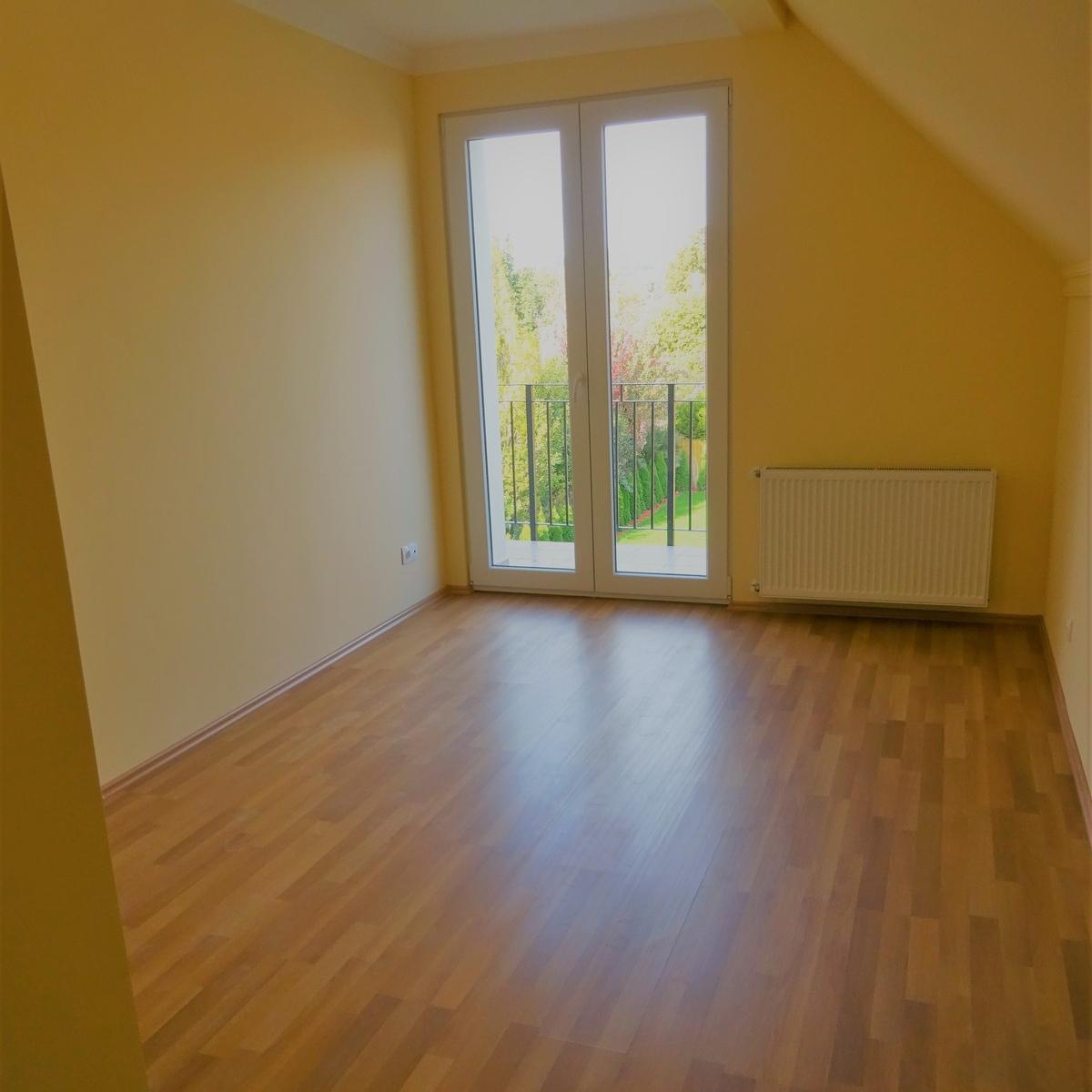Eladó  családi ház (Budapest, III. kerületBudapest, III. kerület) 110 M  Ft