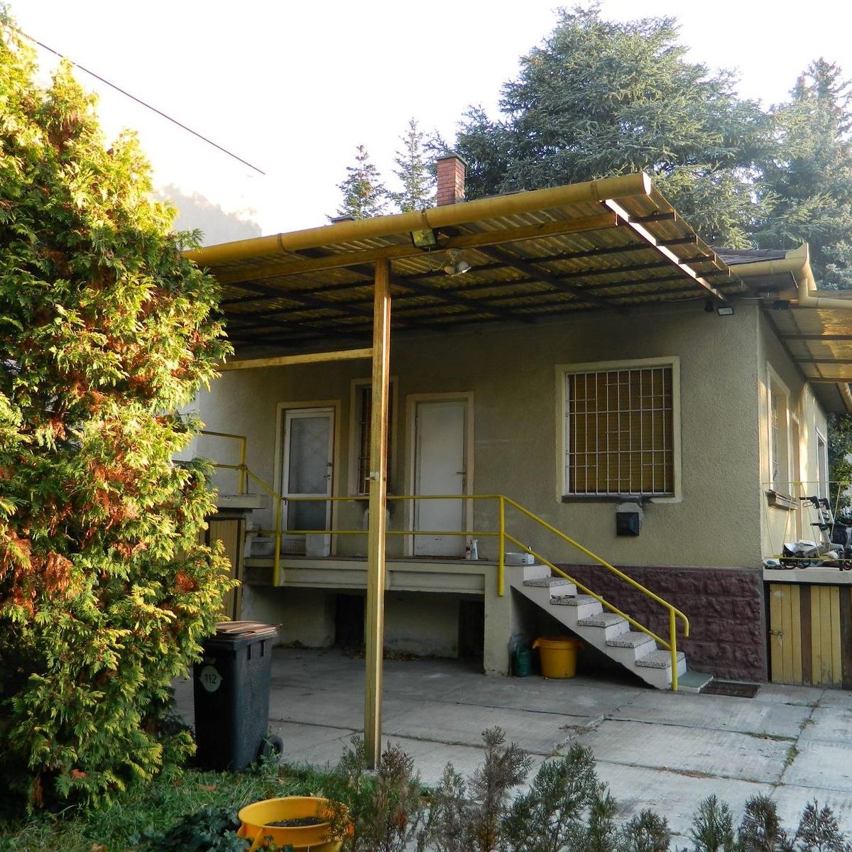 Eladó  családi ház (Győr-Moson-Sopron megye, Győr) 57,9 M  Ft