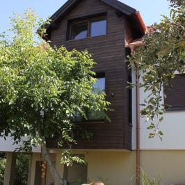 Eladó  családi ház (Törökbálint) 44,5 M  Ft