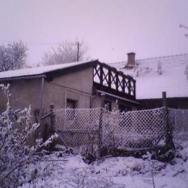 Eladó  családi ház (Perbál) 30 M  Ft