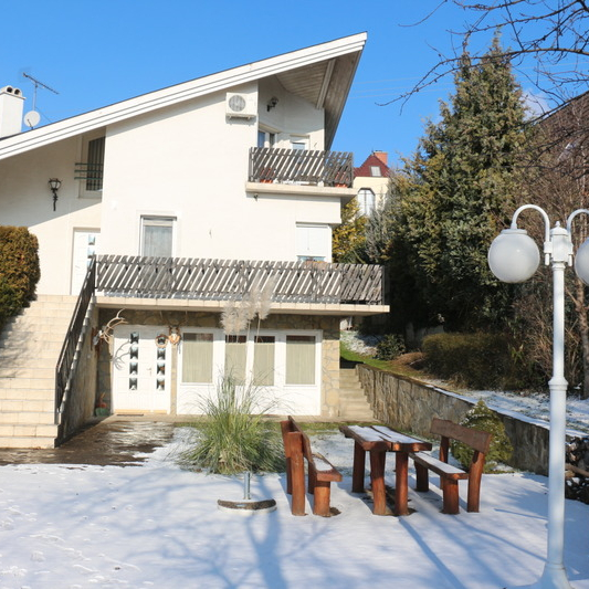 Eladó  családi ház (Budaörs) 119 M  Ft