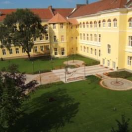 Kiadó  iroda (<span class='notranslate'>Debrecen</span>, <span class='notranslate'></span>) 2,5 E   <span class='notranslate'>Ft</span>/hó +ÁFA