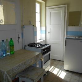 Eladó  családi ház (Nyíregyháza, Tiszavasvári u.környéke) 12 M  Ft