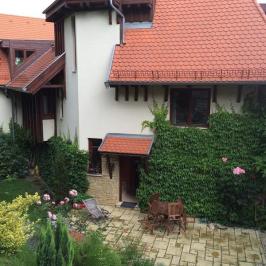Eladó  családi ház (Budapest, XII. kerület) 295 M  Ft