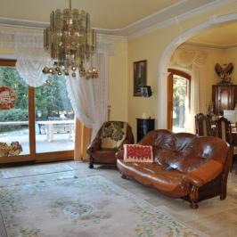 Eladó  családi ház (<span class='notranslate'>Budapest, XI.  </span>kerület) 245 M   <span class='notranslate'>Ft</span>