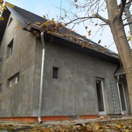 Eladó  családi ház (Tass) 31,5 M  Ft