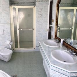 Eladó  családi ház (Budapest, XII. kerület) 249,9 M  Ft