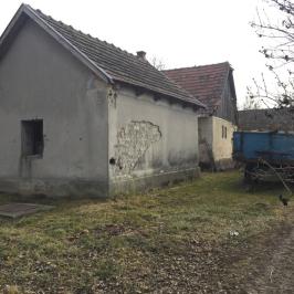 Eladó  családi ház (Tass) 7,9 M  Ft