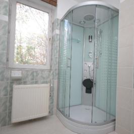 Kiadó  családi ház (Budapest, II. kerület) 550 E  Ft/hó