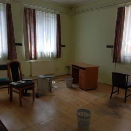 Eladó  ipari ingatlan (<span class='notranslate'>Budapest, III.  </span>kerület) 365 M   <span class='notranslate'>Ft</span>