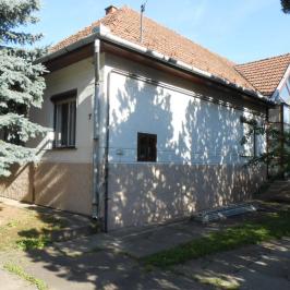 Eladó  családi ház (Hódmezővásárhely, Kertváros) 70 M  Ft