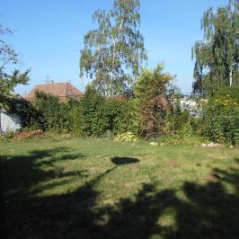 Eladó  családi ház (Erdőkertes) 29,9 M  Ft