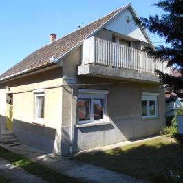 Eladó  családi ház (Erdőkertes) 33,9 M  Ft