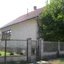 Eladó  családi ház (Tóalmás) 21,5 M  Ft