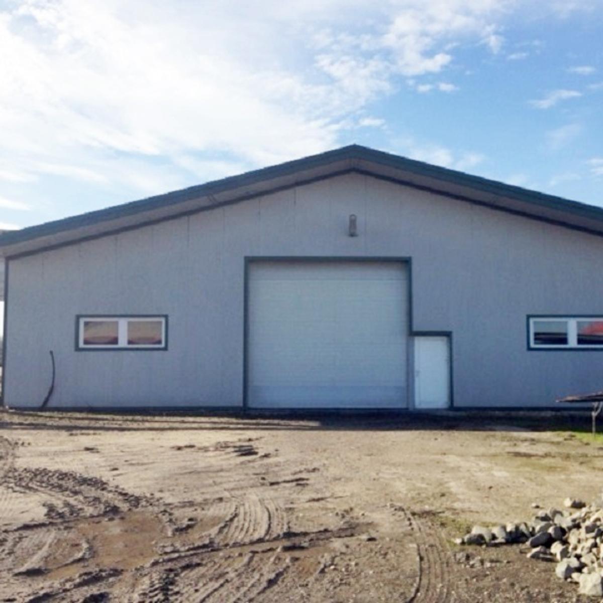 Eladó  ipari ingatlan (Szigetszentmiklós) 250 M  Ft