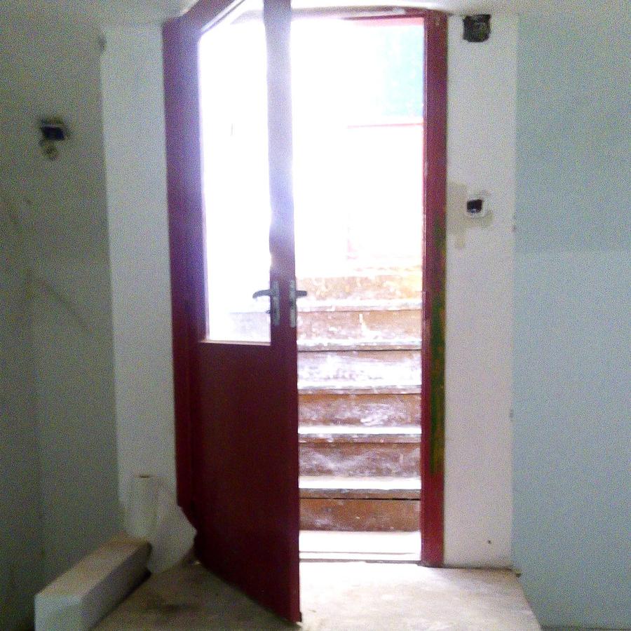 Eladó  üzlethelyiség utcai bejáratos (Budapest, IX. kerületBudapest, IX. kerület, Kinizsi u.) 10,9 M  Ft