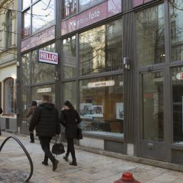 Eladó  üzlethelyiség utcai bejáratos (<span class='notranslate'>Budapest, V.  </span>kerület) 868 M   <span class='notranslate'>Ft</span>