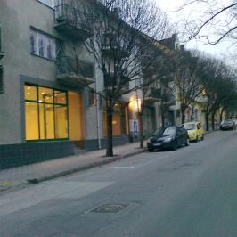 Eladó  üzlet (Kaposvár, Belváros) 15,8 M  Ft