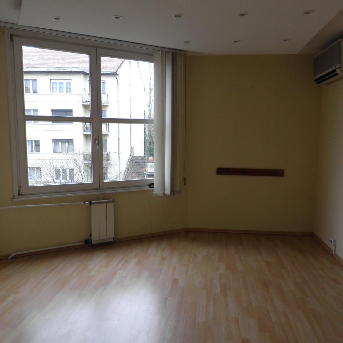 Eladó  téglalakás (Budapest, XI. kerület) 49,9 M  Ft
