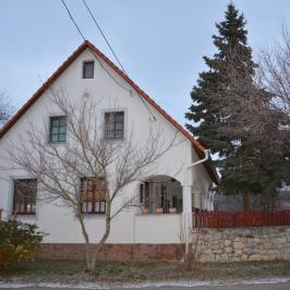Eladó  családi ház (Tagyon) 57,9 M  Ft