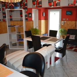 Eladó  családi ház (Gelsesziget) 10 M  Ft