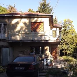 Eladó  családi ház (Budapest, XII. kerület) 105 M  Ft