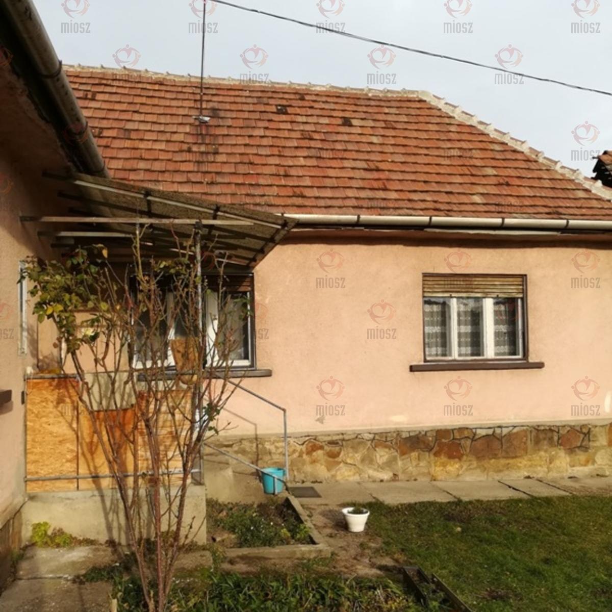 Eladó  családi ház (Budakeszi) 25,8 M  Ft